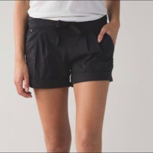 Lululemon Spring Break Away Short Black size 4